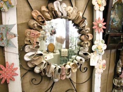 Креативні речі зроблені зі старого дитячого взуття